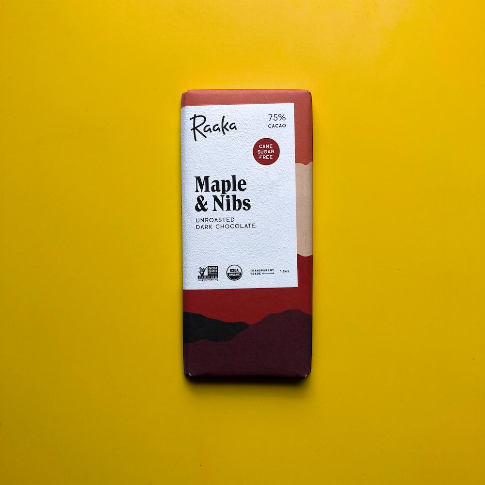 dark-chocolate-maple-nibs-raaka-1000